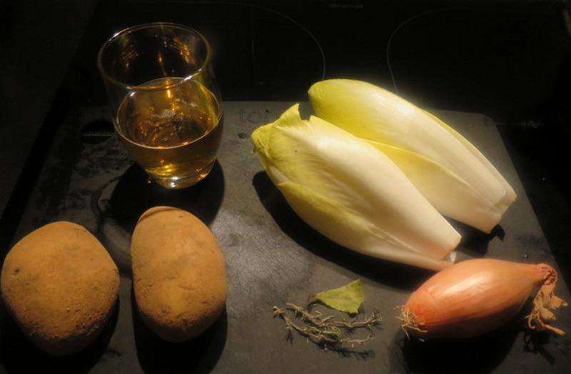 Les ingrédients principaux du velouté d'endives à la bière blonde